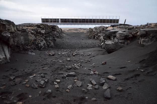 Reykjanes peninsula - black sand