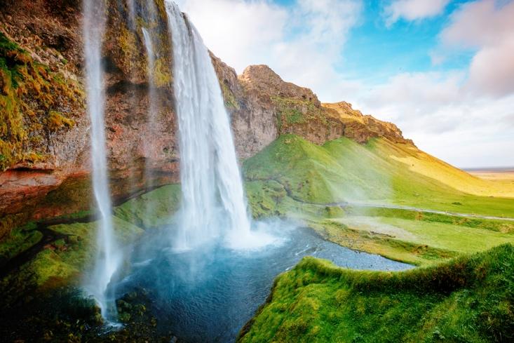 Iceland Waterfalls:Seljalandsfoss Waterfall - South Iceland Waterfalls